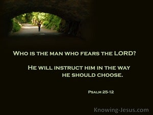 Psalm 25:12 Who Is The Man Who Fears God (green)